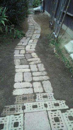 名付けて、パッチワーク小路です♪