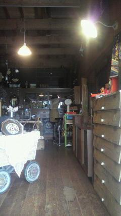 お店の入口を1<br />  ケ所にします。