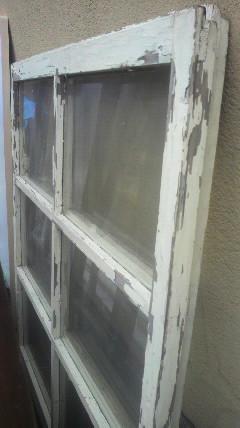 シャビーな窓枠♪